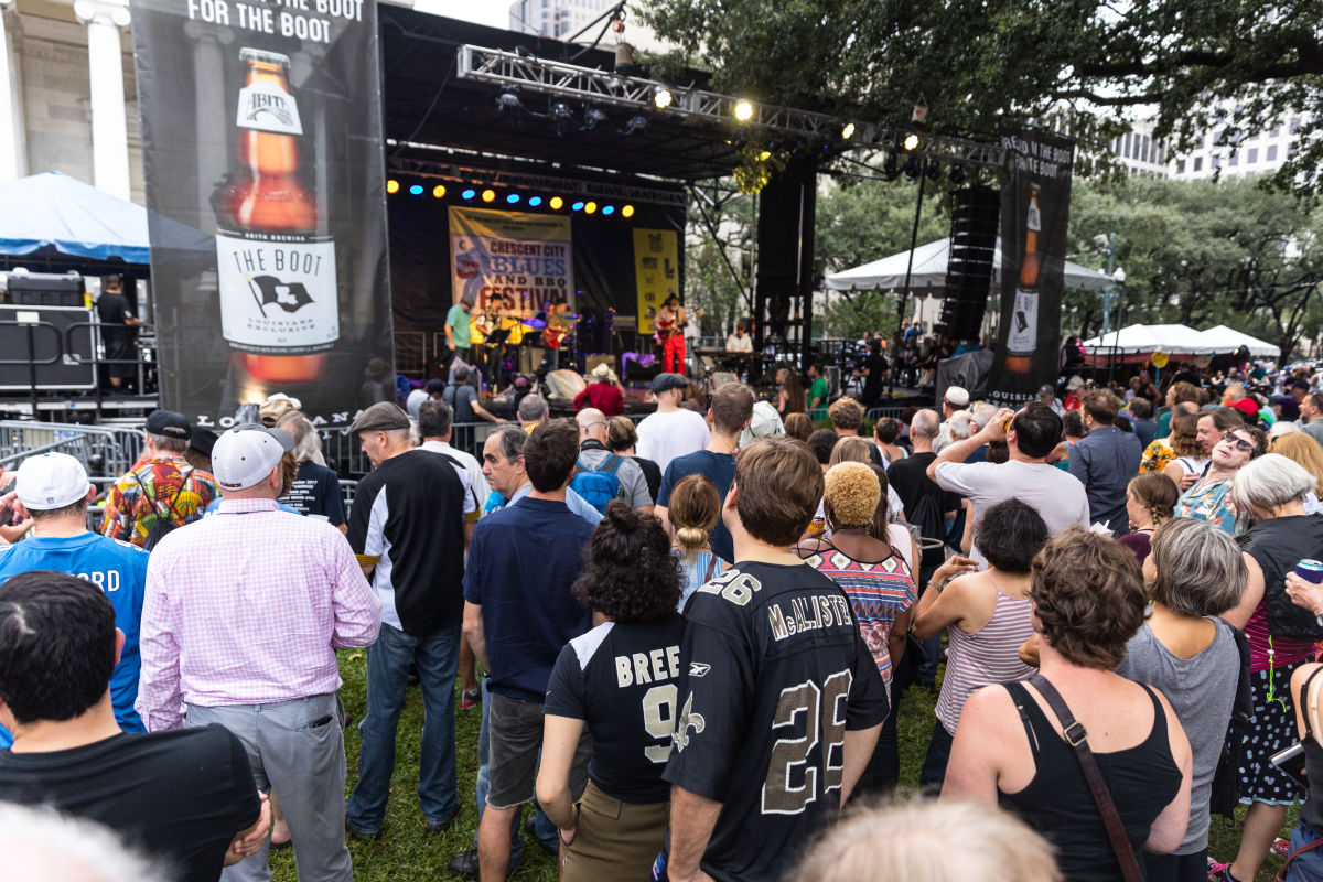 Festival Blues & BBQ Kota Bulan Sabit di New Orleans
